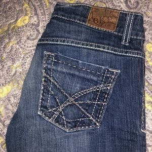 BKE jeans don't fit me. Worn, good condition.